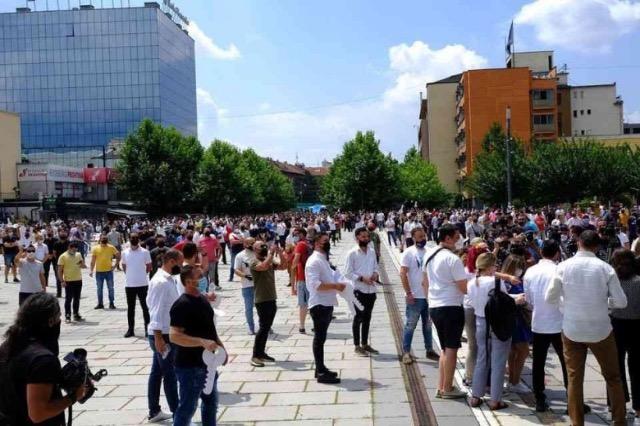 Gastronomët e Kosovës kundërshtojnë mbylljen