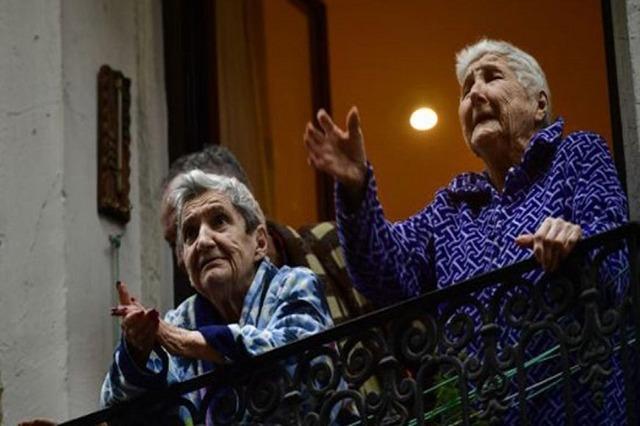 Francë, përjashtohet izolimi i detyruar për të moshuarit