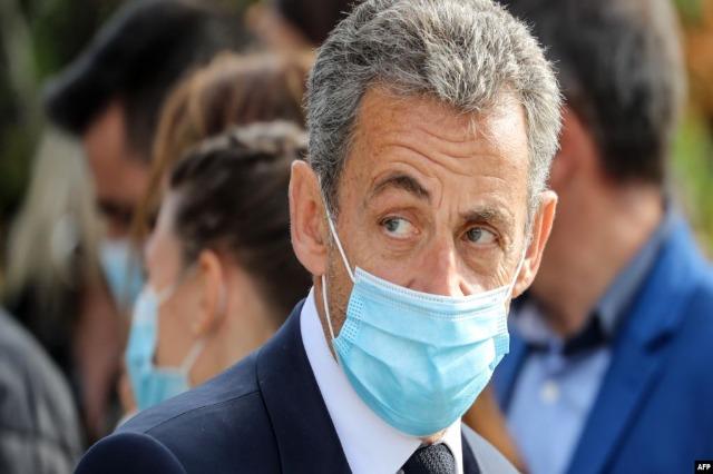 Shtyhet gjyqi i ish-presidentit francez Sarkozy