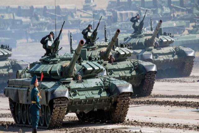 Tanket ruse mbërrijnë në Serbi, gati edhe 6 aeroplanë MIG-29