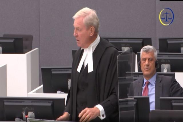 Ish-presidenti i Kosovës, Hashim Thaçi, del para Dhomave të Specializuara të Gjykatës së Hagës