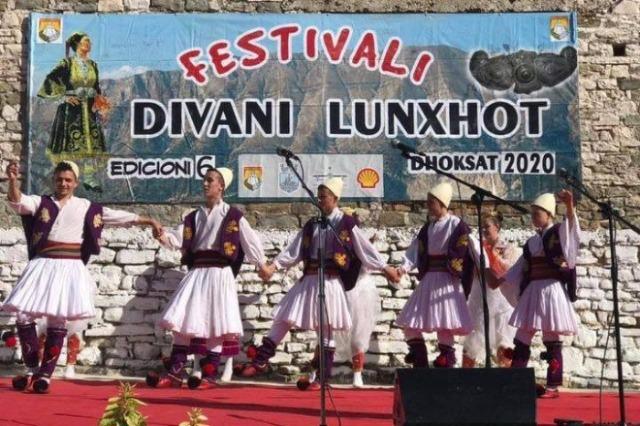 """""""Divani Lunxhot"""", Edicioni i gjashtë u mbajt për dy ditë në fshatin Dhoksat"""