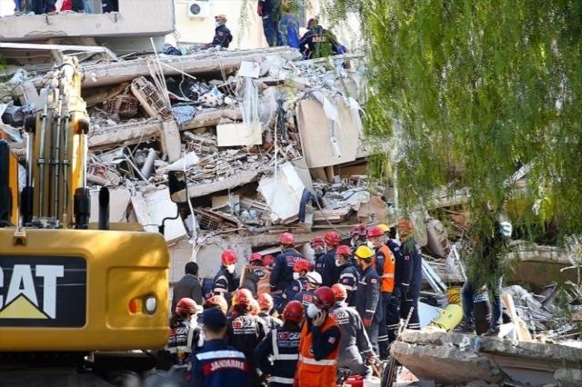 Tërmeti në Egje, vazhdojnë kërkimet në rrënoja