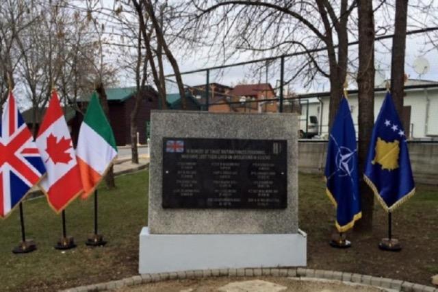 Përkujtohen ushtarët anglezë të KFOR-it që humben jetën në Kosovë