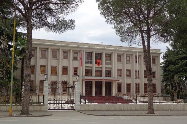 Maxhoranca përgatit ligjin për presidentin
