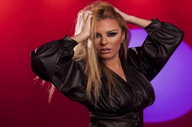 Anxhela Peristeri fiton çmimin e parë në festivalin e 59-të të këngës