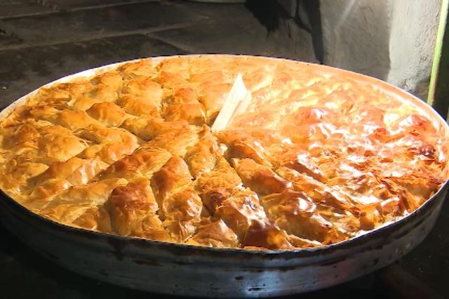 Bakllavaja, ëmbëlsira tradicionale nuk mungon në familjet korçare