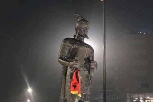 Flet skulptori që punoi shtatoren e Skenderbeut në Prizren