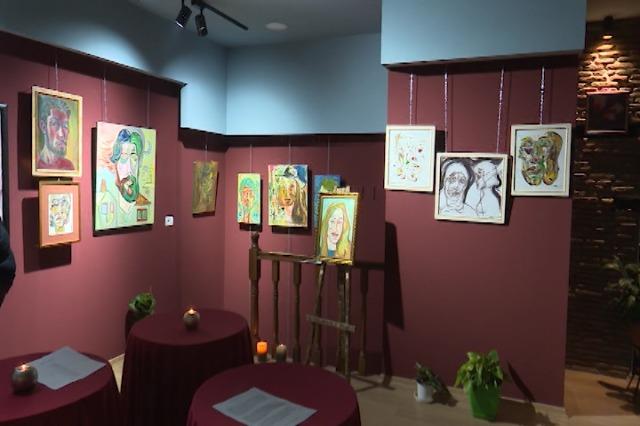 """""""Autoportret"""", ekspozitë nga piktori Thanas Dushku"""