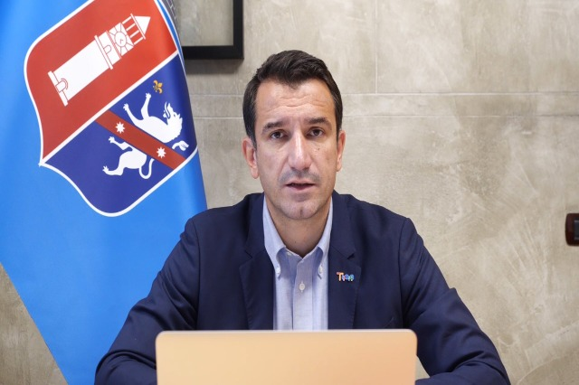 Veliaj padit Dumën për shpifje: Asnjë leje në Bashkinë e Tiranës nuk është ndikuar nga grupe interesash