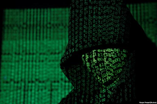 Hakeri nga Kosova që u mor me Bitcoin, pornografi dhe terrorizëm nga burgu në SHBA