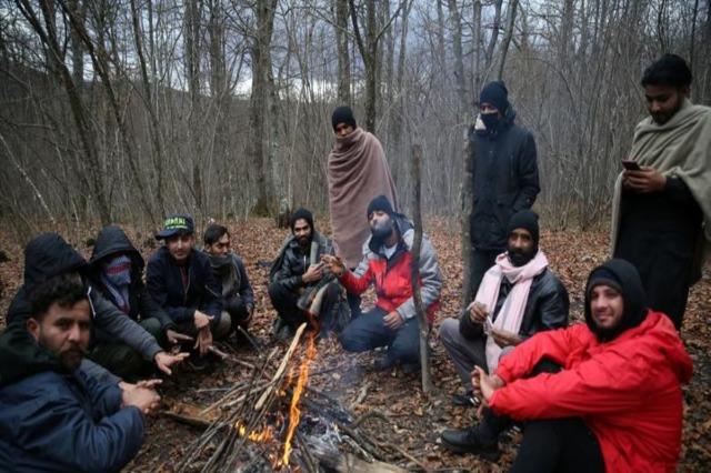 Bosnjë, ngrihen tenda ushtarake për të strehuar refugjatët
