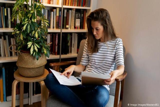 Presioni po rritet për më shumë punë zyre nga shtëpia