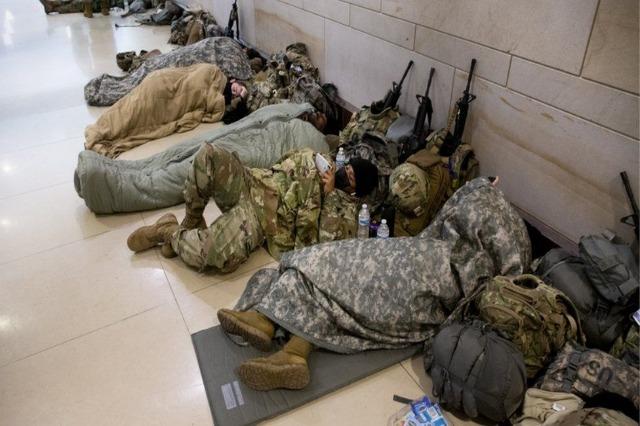 Garda Kombëtare: Presidenti Biden kërkon falje për trupat që flenë në parkun e makinave