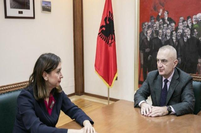 Presidenti Meta, takon Avokaten e Popullit, në lidhje me projektin e rrugës Vlorë-Orikum