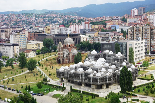Kosovë, qeveria, me vendime të reja për lëvizje të qytetarëve, tubime dhe furnizim me vaksinë