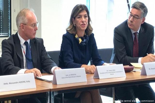 Ambasadorët e QUNTIT: KQZ-ja në Kosovë ta kryejë punën pa ndërhyrje