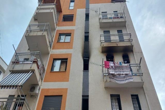 Merr flakë kati i tretë i një pallati në zonën e Freskut në Tiranë