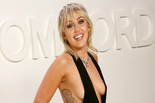 Miley Cyrus sërish në krye të klasifikimeve