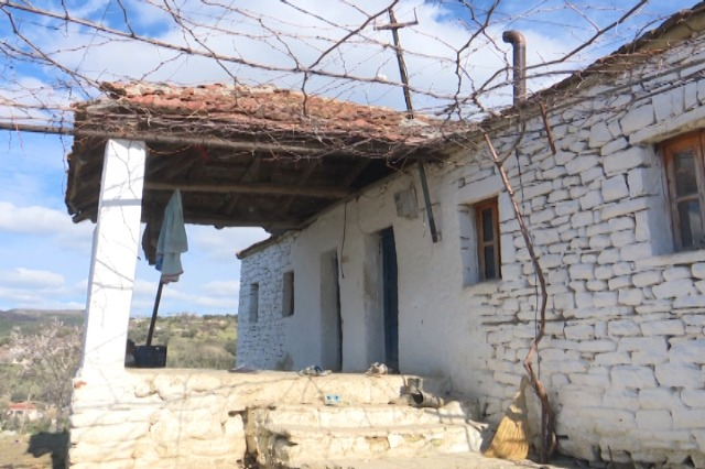 Familja Kola nga fshati Toc në kushte të vështira, lëshon sinjalin SOS!