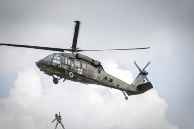 KFOR-i paralajmëron stërvitje me helikopterë të shumtë në gjithë Kosovën