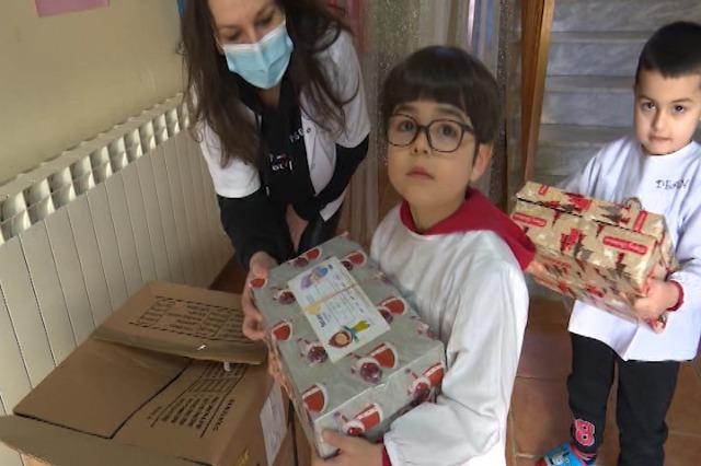 Nis shpërndarja e dhuratave nga klubi Rotari