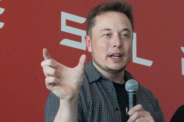 Filozofia e miliarderit Elon Musk për ta bërë ekipin efikas