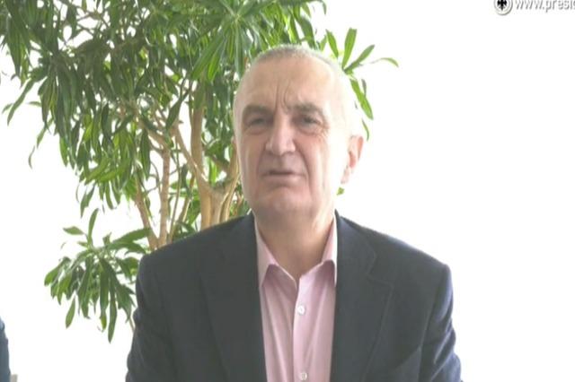 Presidenti Meta, i përgjigjet akuzave se ka shkuar natën në Vlorë, për të marrë vota për LSI