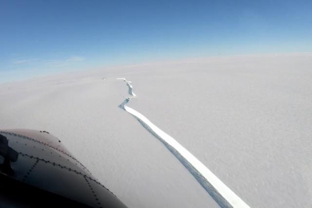 Ajsbergu më i madh se qyteti i New York-ut, shkëputet nga Antarktiku