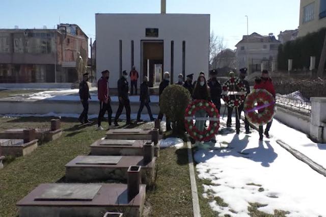 Pogradec, homazhe në ndër të policit të vrarë Lulëzim Sulollari