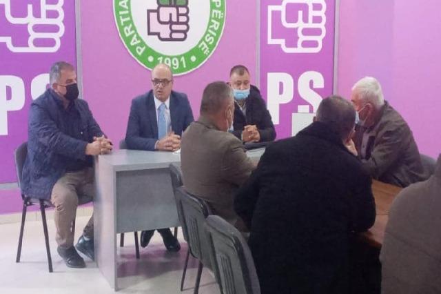 126 ish anëtarë të LSI në Fier kalojnë te PS, Petro Koçi: Ne jemi shpresa, përballë kemi çiftin Meta-Berisha