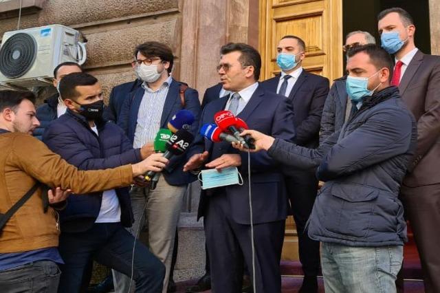 Fushata zgjedhore, Mediu: Duam barazi para ligjit!