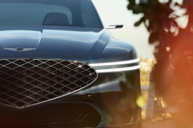 Marka më e re premium mahniti botën me një veturë të re