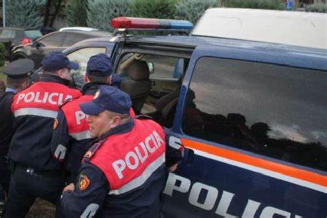 Policia ndalon 7 persona për trafik të paligjshëm emigrantësh