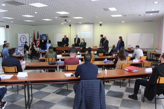 """""""FBI-ja shqiptare"""" drejt finalizimit, ambasada e SHBA: Grupi elitar do drejtojë luftën kundër korrupsionit dhe krimit"""