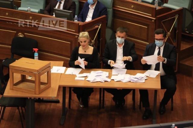 Kosove: Raundi i pare perfundon pa zgjedhje te presidentit