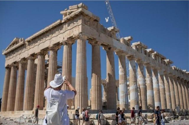 Greqia heq karantinën gjatë sezonit turistik për 30 vende