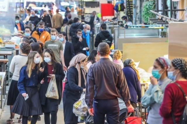 Izraeli heq detyrimin e mbajtjes së maskës jashtë