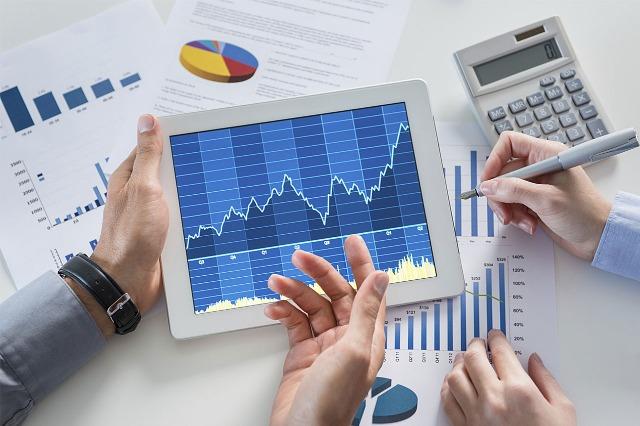 Kreditimi i biznesit u rrit me 5 % në mars