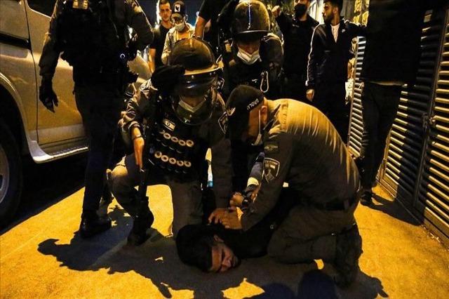 Policia izraelite ndërhyn ndaj palestinezëve në Kuds