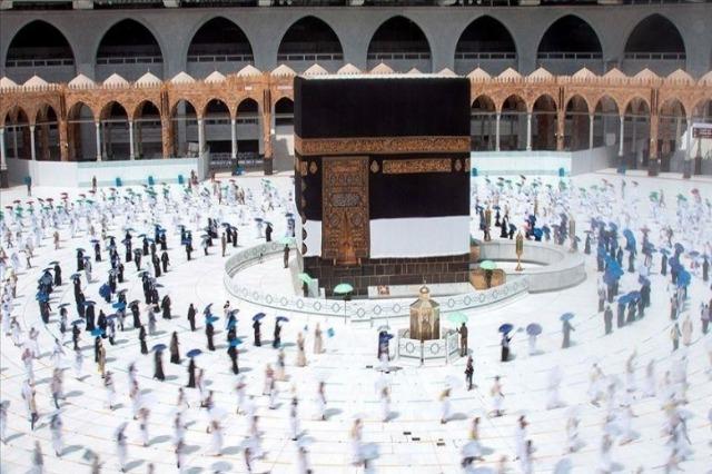 Arabia Saudite rrit numrin e vizitorëve në Qabe gjatë ramazanit