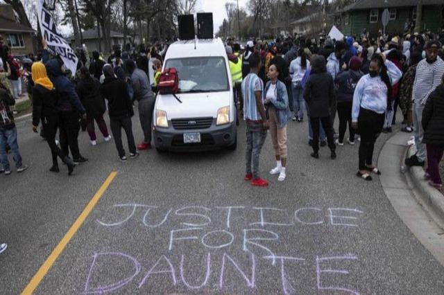 Policia: Vrasja e afro-amerikanit në Mineapolis, aksidentale. Reagon Biden