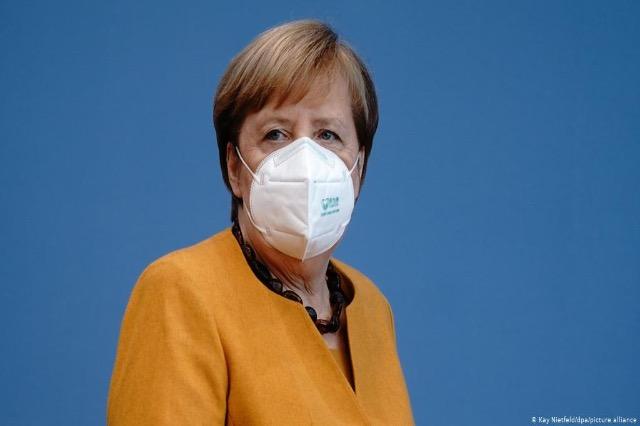Merkel vaksinohet me AstraZeneca