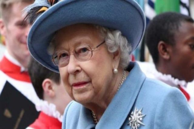 Mbretëresha Elizabeth II i rikthehet punës