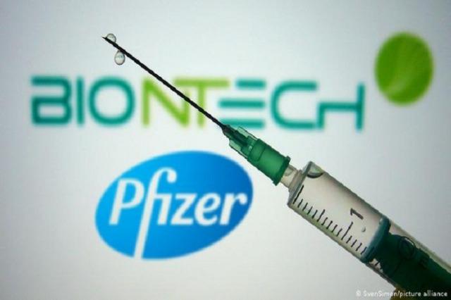 Drejtori i Pfizer: Vaksinimi do të jetë i përvitshëm