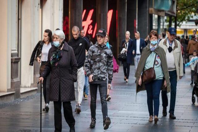 Mbi 900 të infektuar dhe 31 viktima nga koronavirusi në Maqedoninë e Veriut