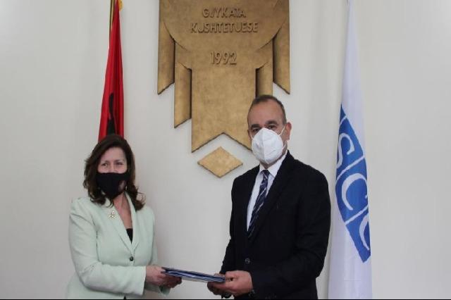 Prezenca e OSBE-së dhe Gjykata Kushtetuese e Shqipërisë nënshkruajnë memorandum mirëkuptimi