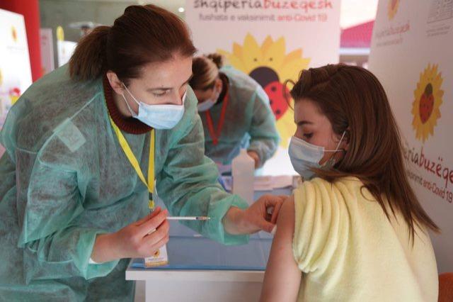 Mbi 314 mijë të vaksinuar kundër covid në Shqipëri, ja sa doza u injektuan 24 orët e fundit