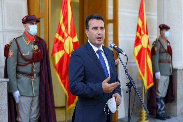 Zaev i bën thirrje komunitetit maqedonas: Votojeni mikun tim Edi Rama, se ne kemi një kandidat
