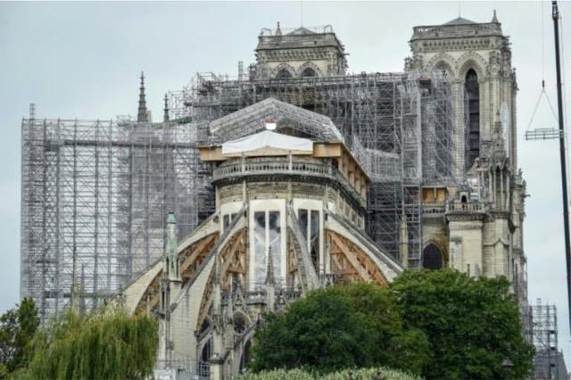 Dy vjet nga zjarri, Notre-Dame de Paris do të rihapet në 2024